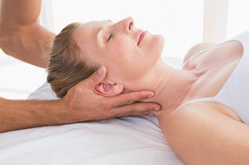 Terapia manuale: Manipolazione dei muscoli del collo